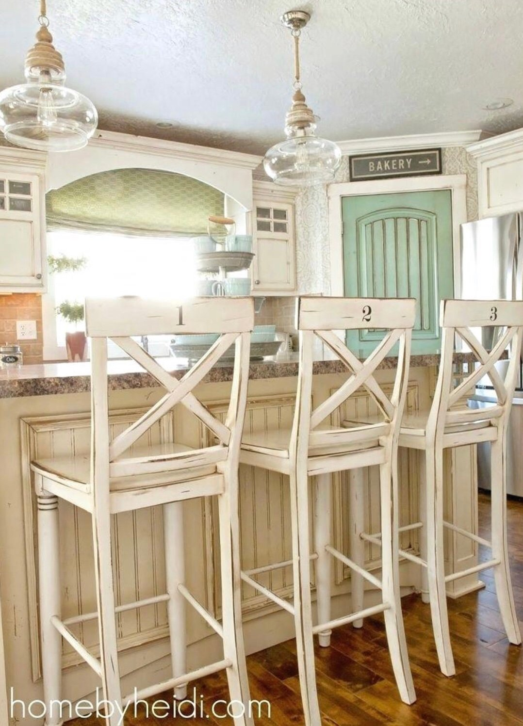 Tips for Choosing the Best Bar Stools for Your Kitchen   Chaylor ...