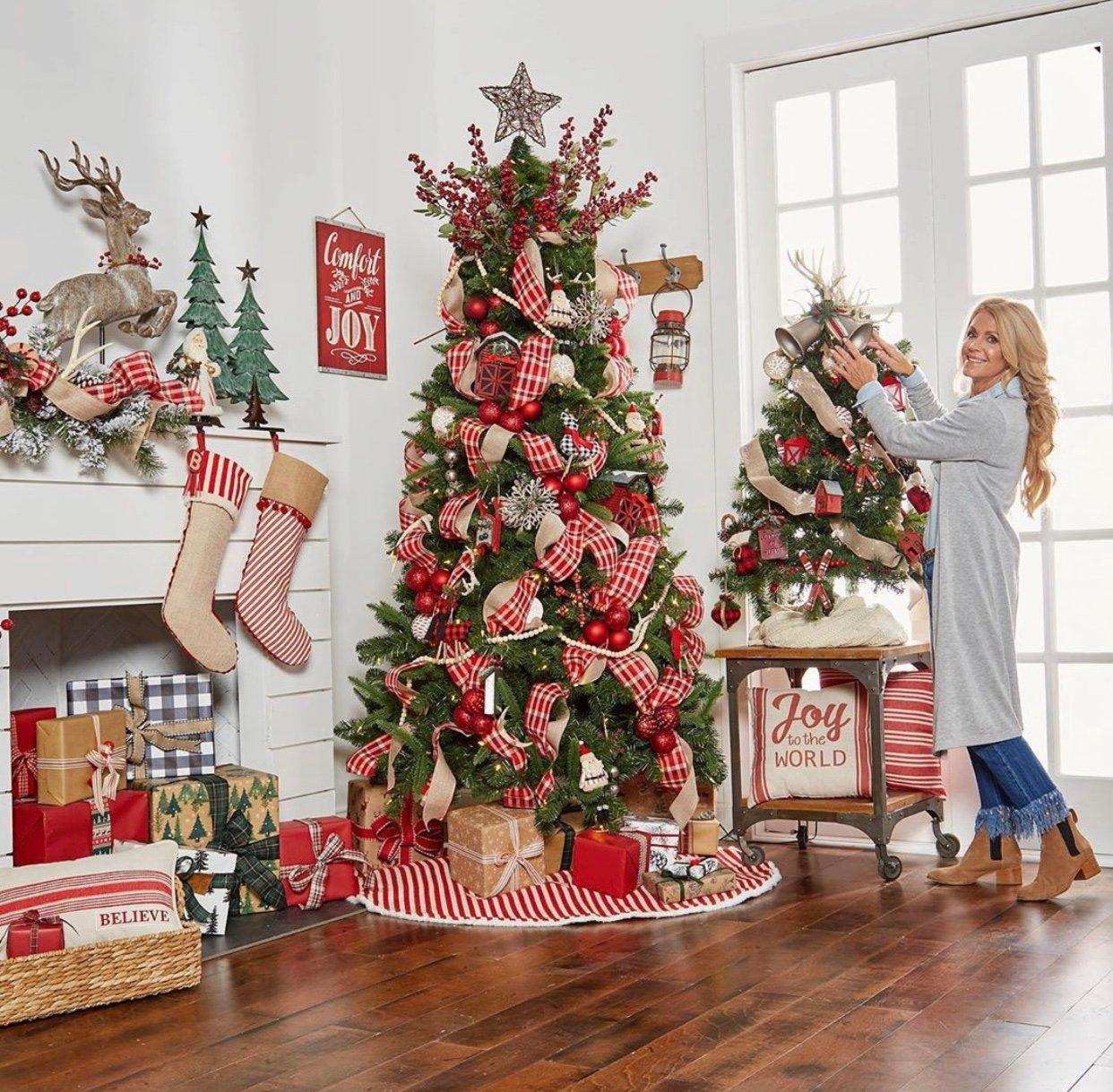 97 Farmhouse Christmas Decor Ideas For Your Home Chaylor Mads